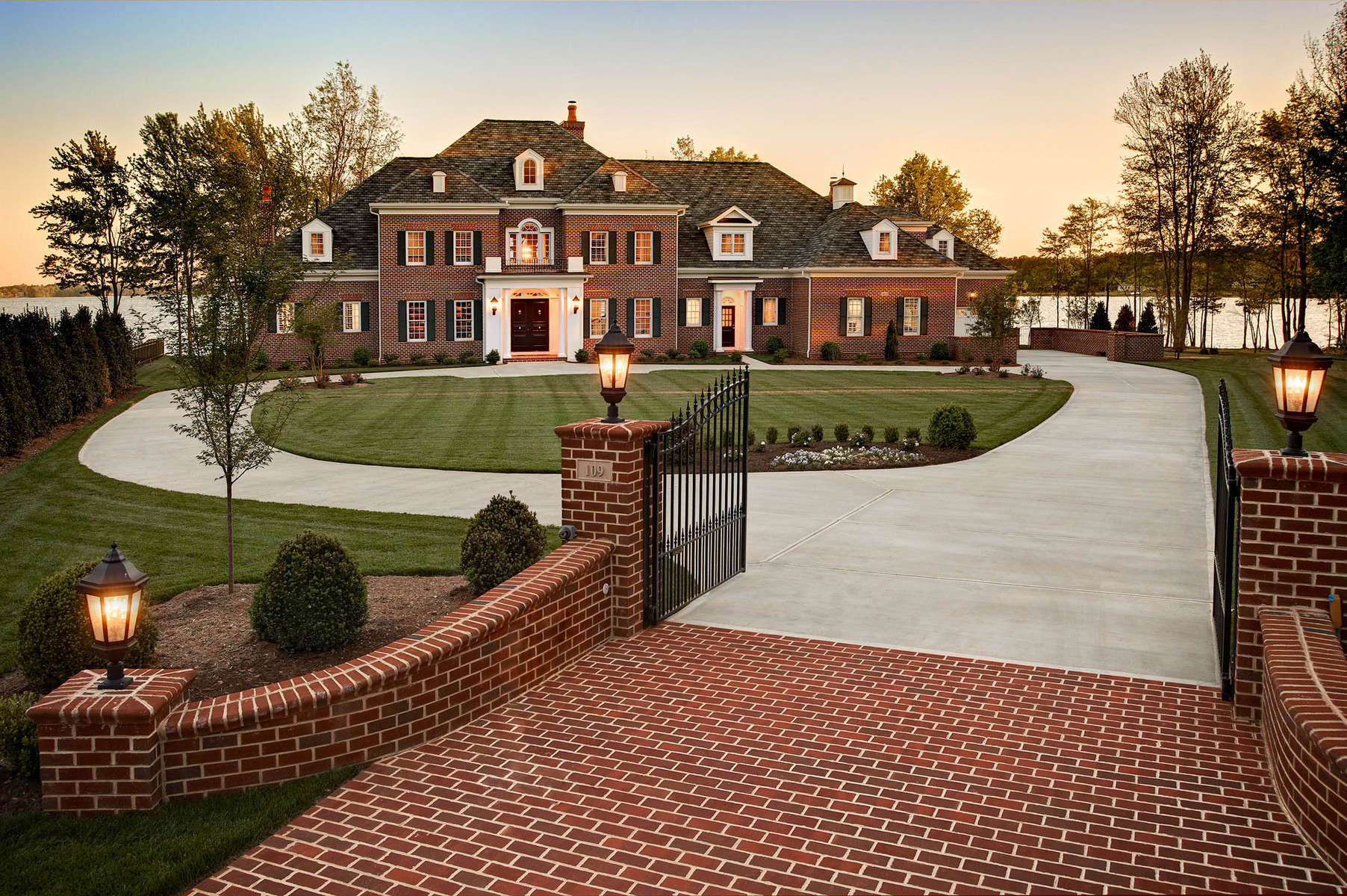 Architects builders interior architectural design photographers dustin peck Home driveway design ideas